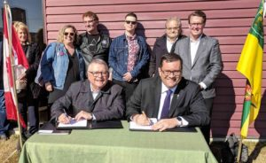 Saskatchewan and the Federal government sign 10-year housing agreement